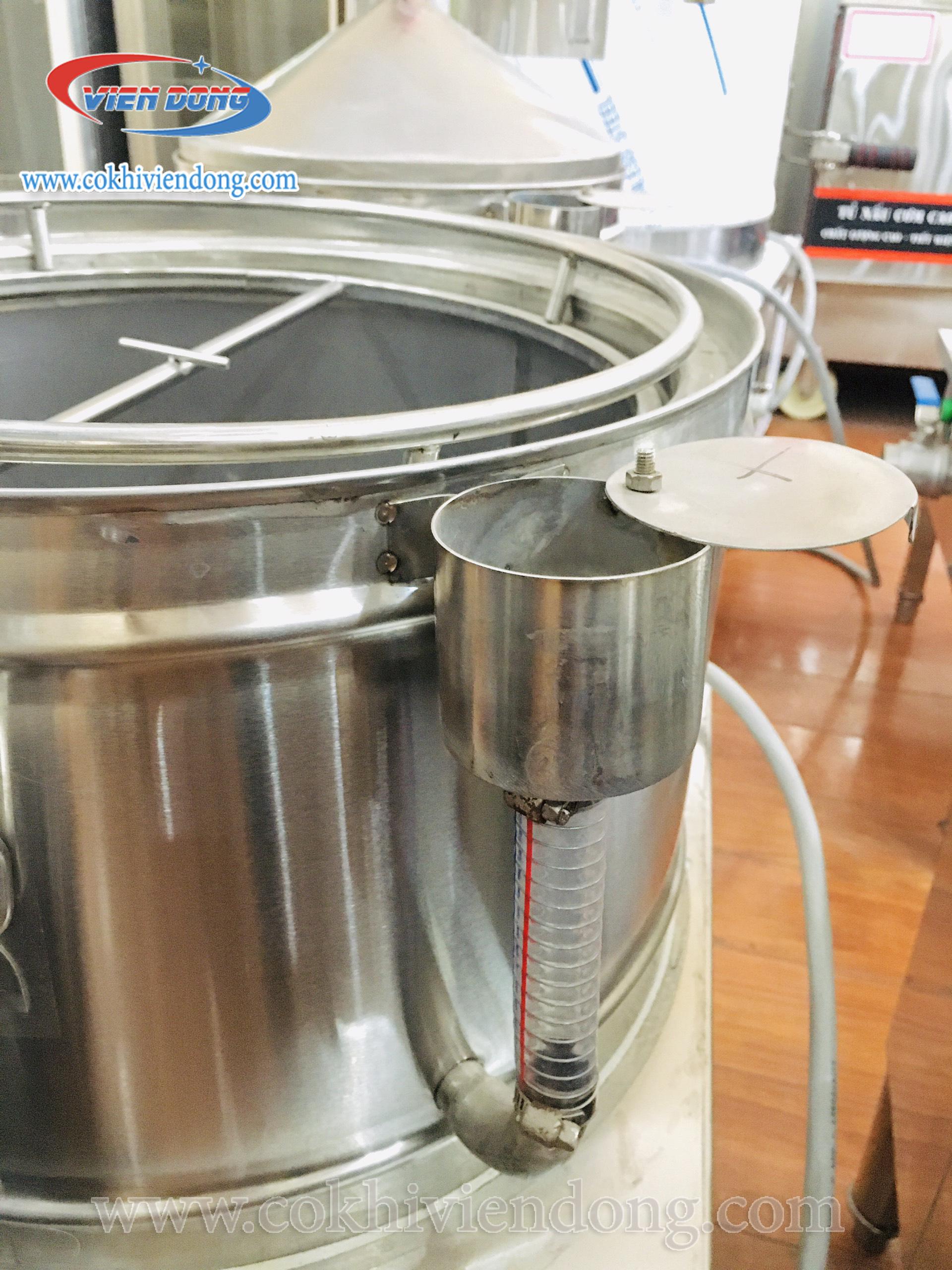 Ống tiếp nước của nồi tráng bánh cuốn 2021