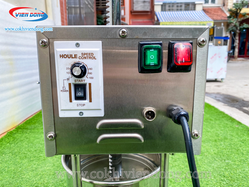 Bảng điều khiển máy nhồi xúc xích